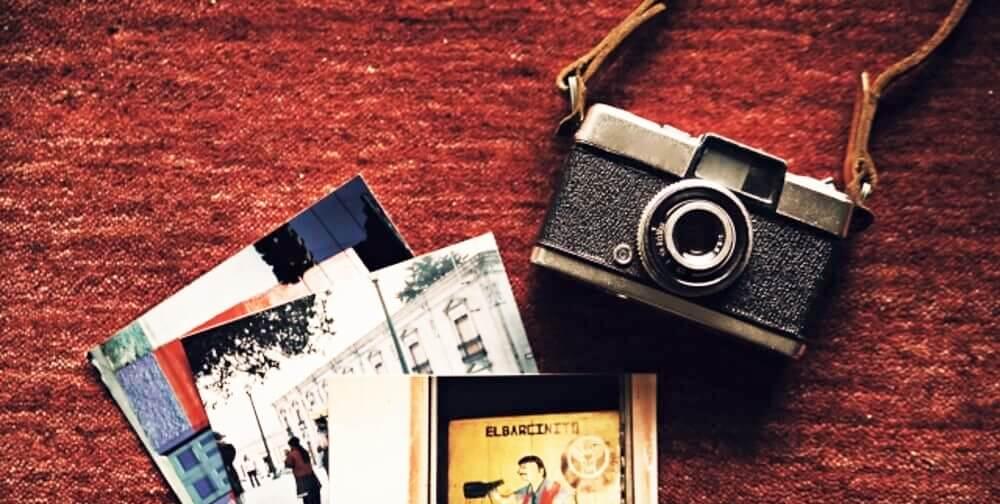 デジタル一眼カメラって、一眼レフカメラの事じゃないの?
